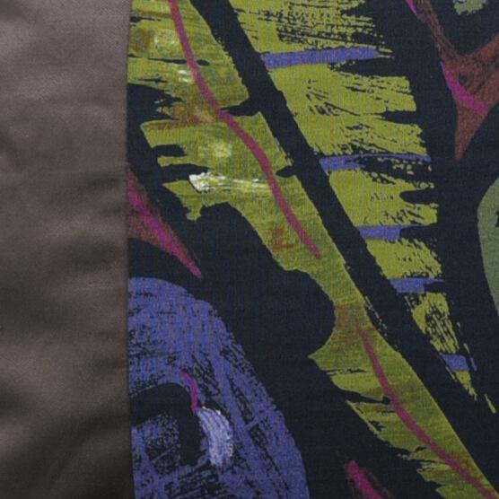 Kissen-Unikat von AN-NA Design in starken Farben. Größe 30x50 cm, hier die Farben Türkis und Taupe mit einem floralen Muster.